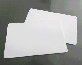 白カード登場